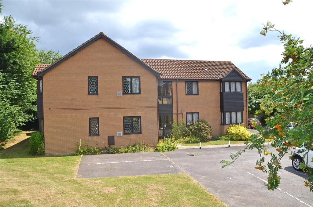 1 Bedroom Apartment Flat for sale in Ashmere Close, Calcot, Reading, Berkshire, RG31