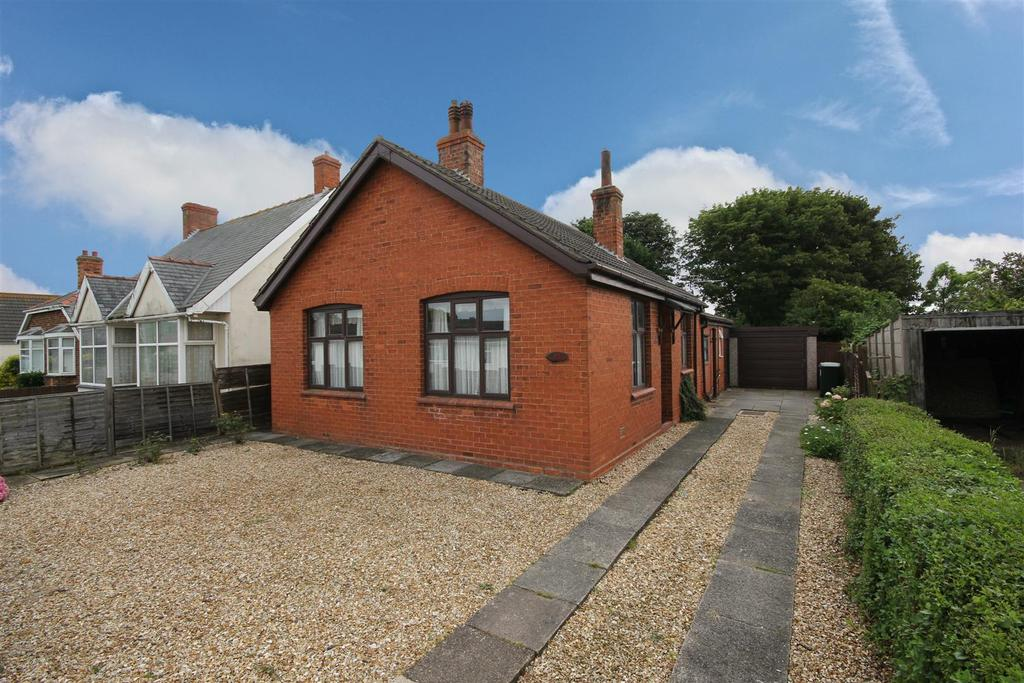 3 Bedrooms Detached Bungalow for sale in 35 Golf Road, Mablethorpe
