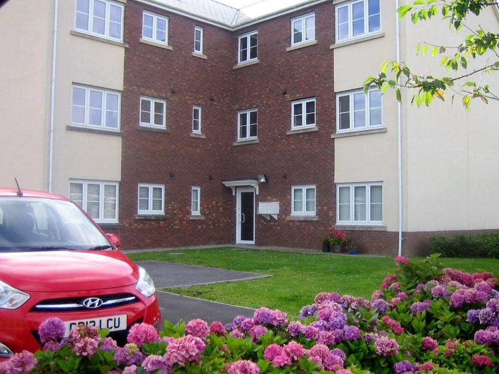 2 Bedrooms Flat for sale in Ffordd Cambria, Pontarddulais