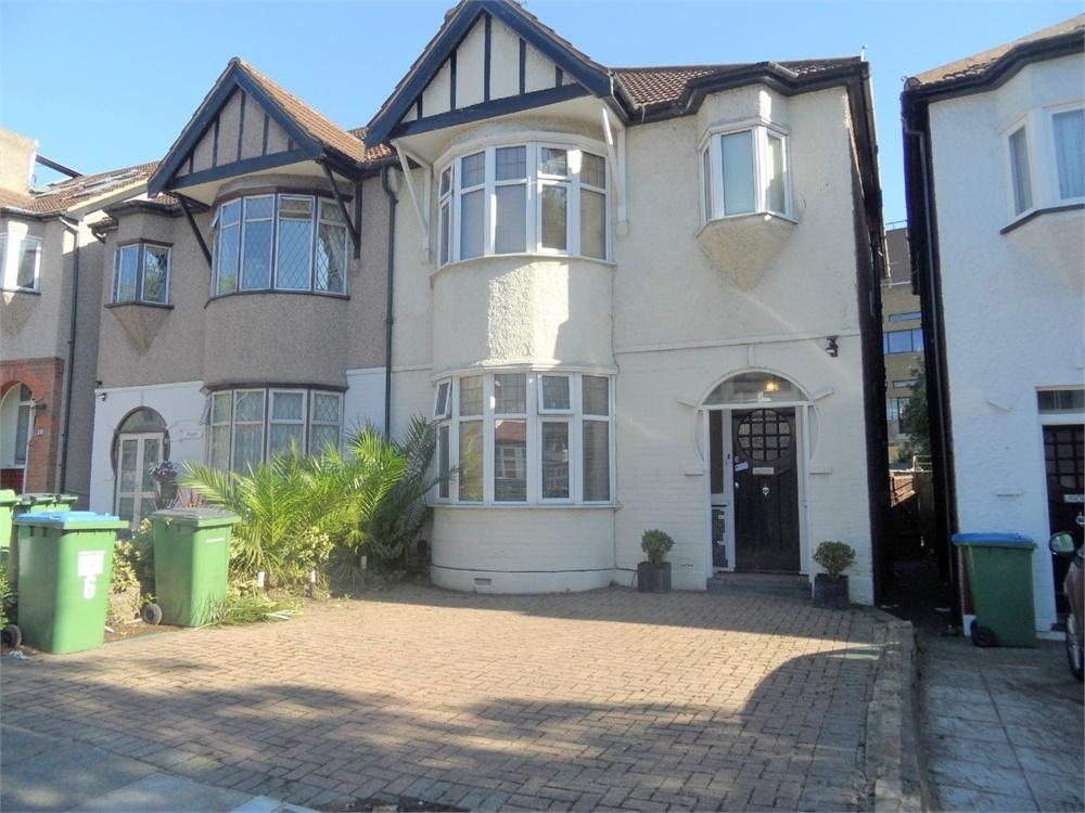 3 Bedrooms Semi Detached House for sale in Dobell Road, Eltham, London