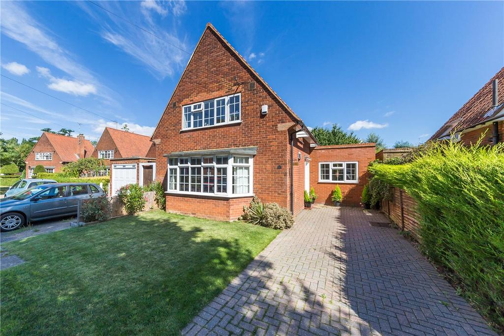 3 Bedrooms Detached House for sale in Lytton Gardens, Welwyn Garden City, Hertfordshire
