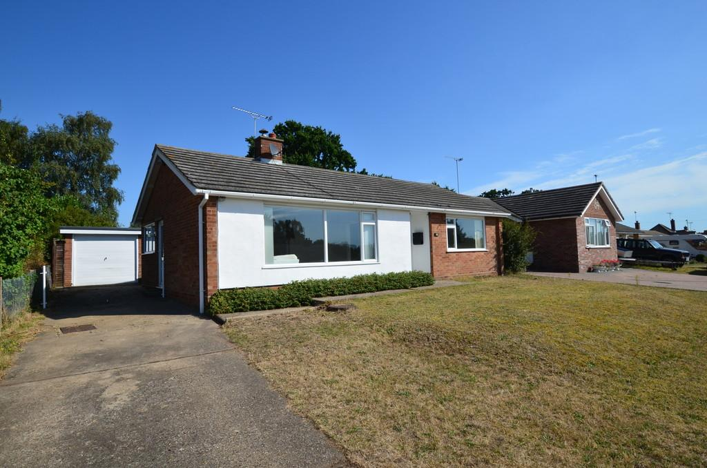 3 Bedrooms Detached Bungalow for sale in Penzance Road, Kesgrave