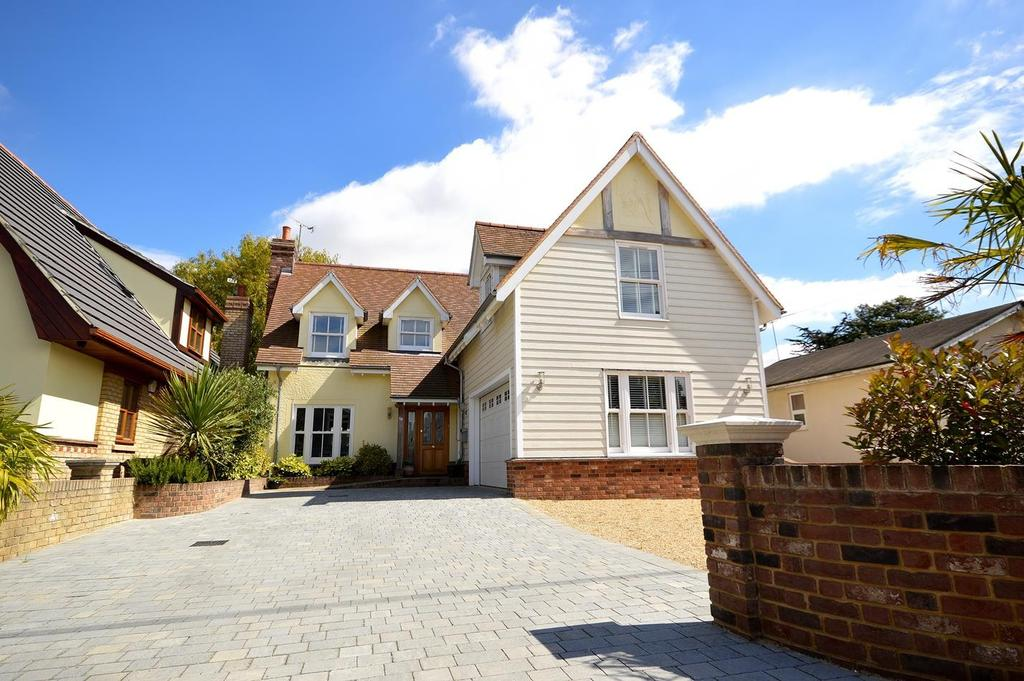 4 Bedrooms Detached House for sale in Mountview Crescent, St. Lawrence, Southminster, Essex, CM0