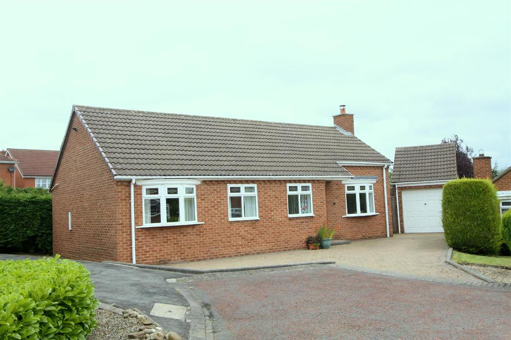3 Bedrooms Detached Bungalow for sale in Tattersall Close, Newton Aycliffe