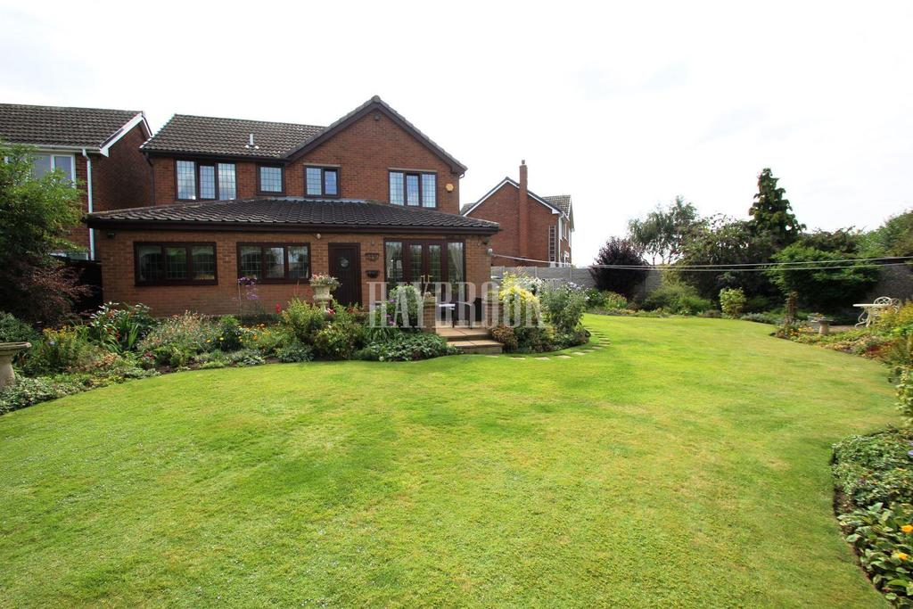 4 Bedrooms Detached House for sale in Sherwood Way, Cudworth