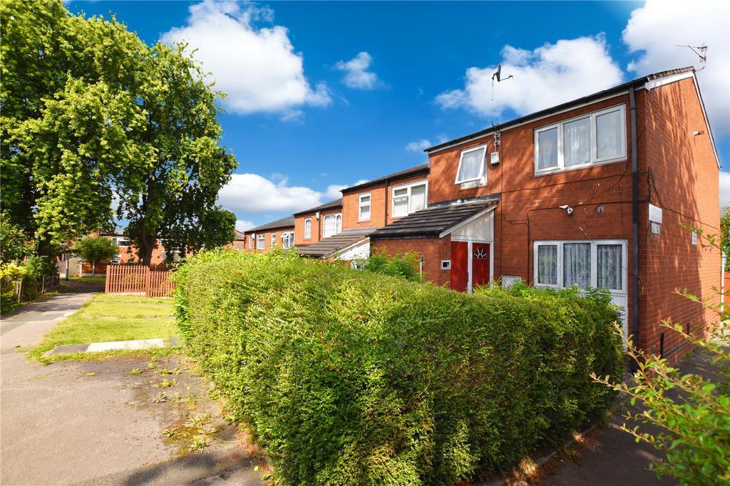 3 Bedrooms Terraced House for sale in Waverley Garth, Leeds, West Yorkshire, LS11