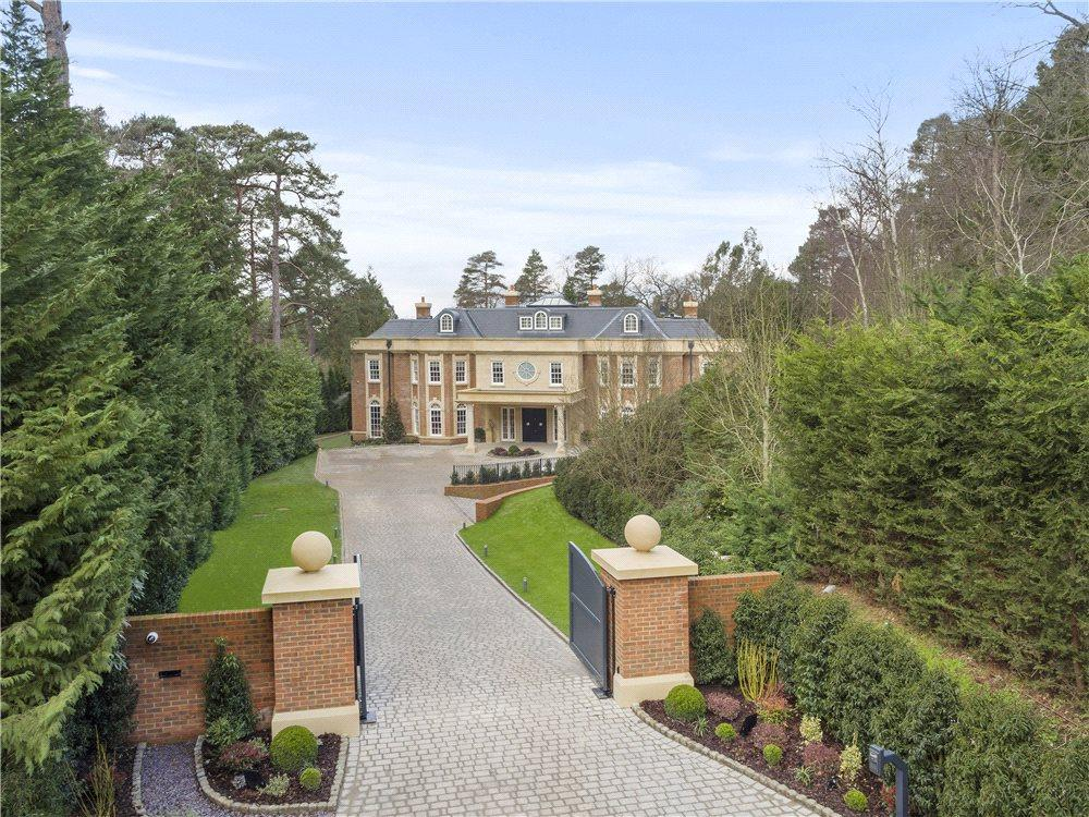 6 Bedrooms Detached House for sale in Golf Club Road, St George's Hill, Weybridge, Surrey, KT13