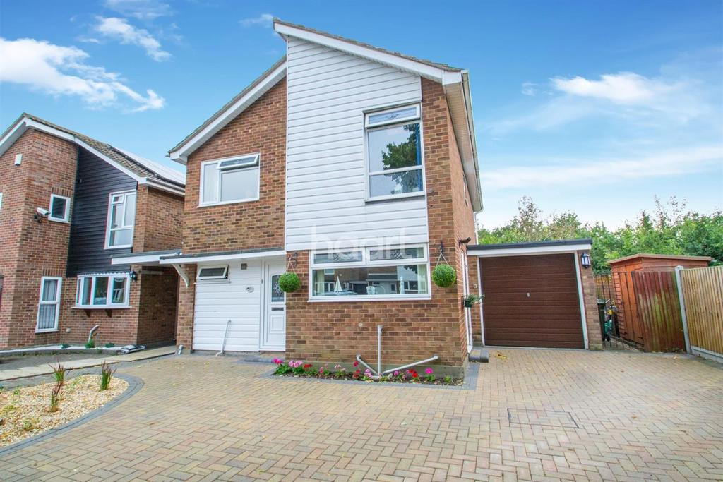 4 Bedrooms Detached House for sale in Pathways, Basildon