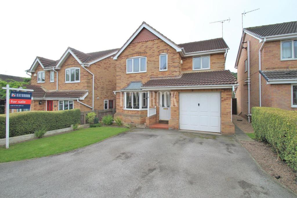 4 Bedrooms Detached House for sale in Cedar Close, Swinton