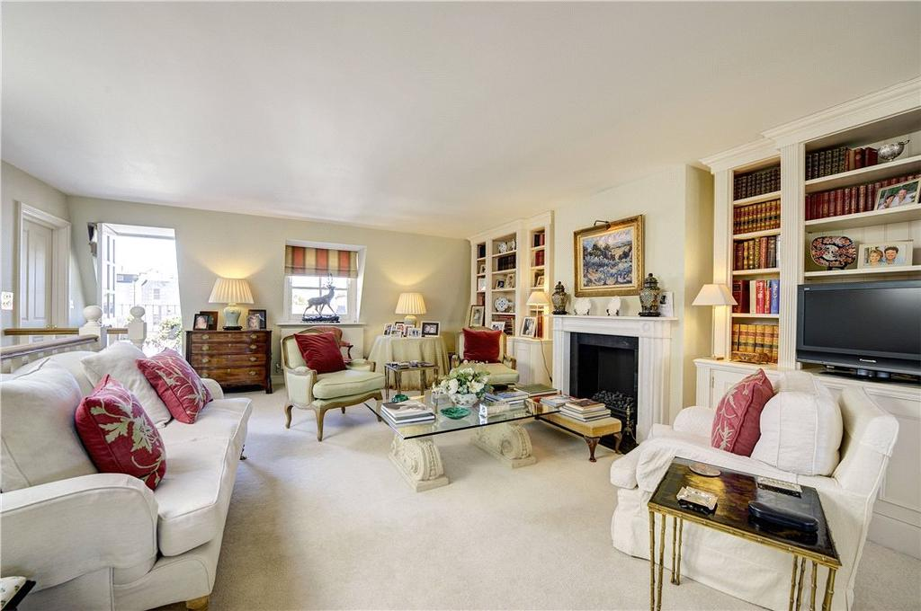 3 Bedrooms Maisonette Flat for sale in Queen's Gate, South Kensington, London, SW7
