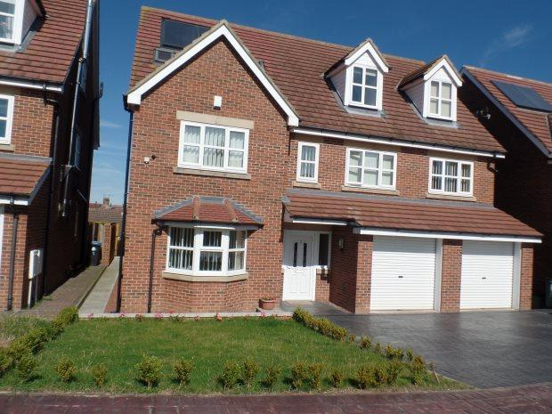 4 Bedrooms Detached House for sale in BLUEHOUSE COURT, BLACKHALL, PETERLEE AREA VILLAGES