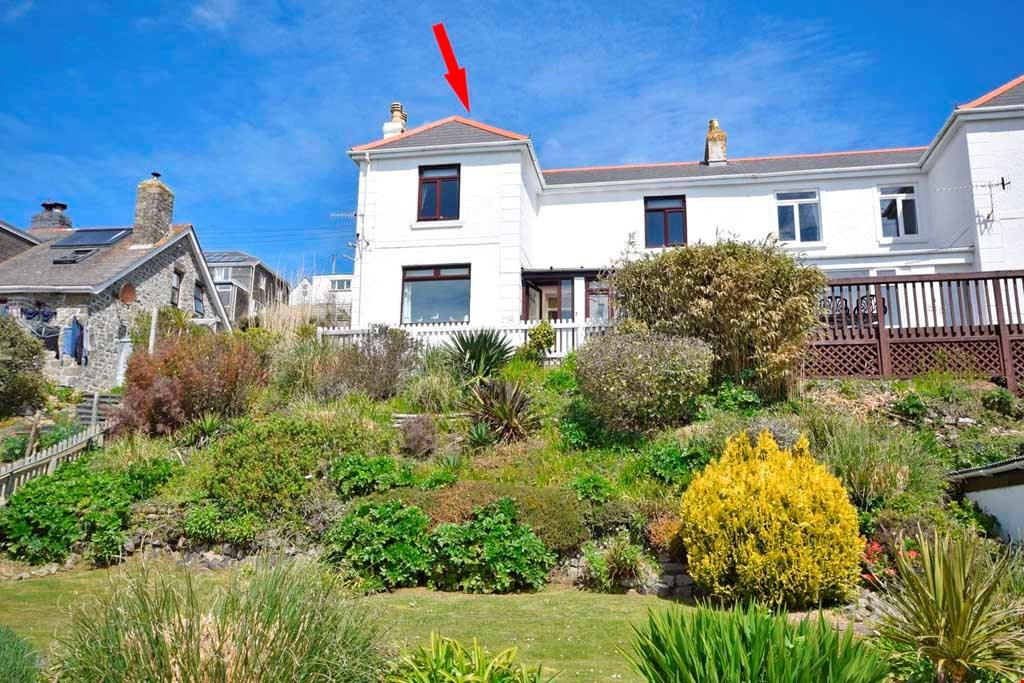 3 Bedrooms Semi Detached House for sale in Praa Sands, Penzance, West Cornwall, TR20