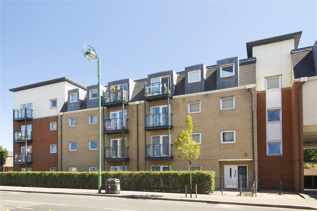 2 Bedrooms Flat for sale in Topaz Court, 580 High Road Leytonstone, London, E11