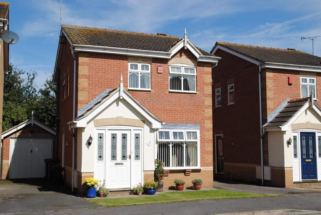 3 Bedrooms Detached House for sale in Riverside, Scawby Brook, North Lincolnshire
