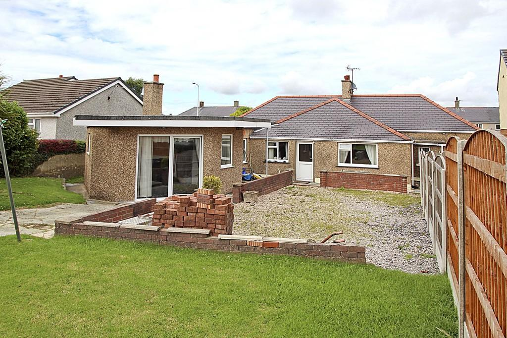 4 Bedrooms Detached Bungalow for sale in Bronant Cottage, Llangefni, North Wales