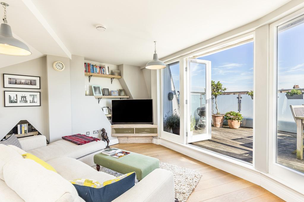 3 Bedrooms Apartment Flat for sale in Wendell Road, London, W12