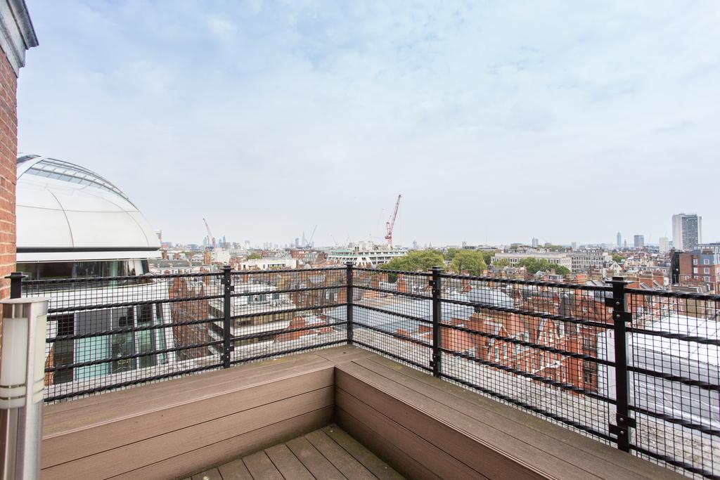 3 Bedrooms Flat for sale in Park Street, Mayfair, London, W1K
