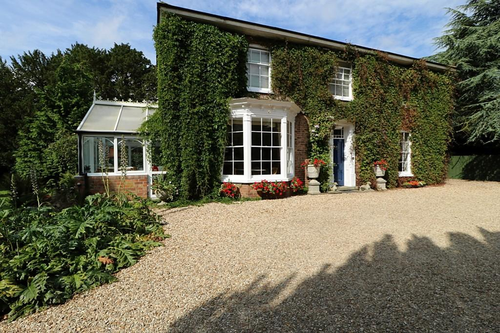 7 Bedrooms Detached House for sale in Stewton, Louth