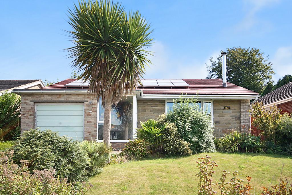 3 Bedrooms Detached Bungalow for sale in The Heights, Findon Valley BN14 0AL