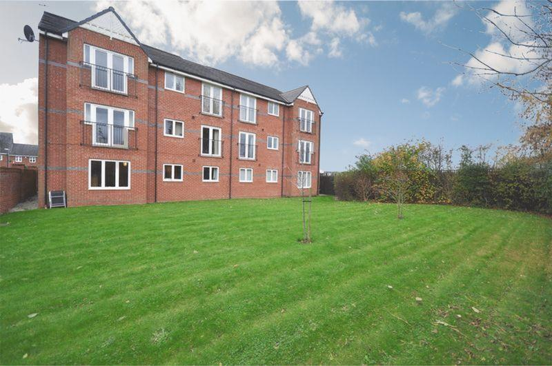 2 Bedrooms Apartment Flat for sale in Oakwood Grove, Manchester
