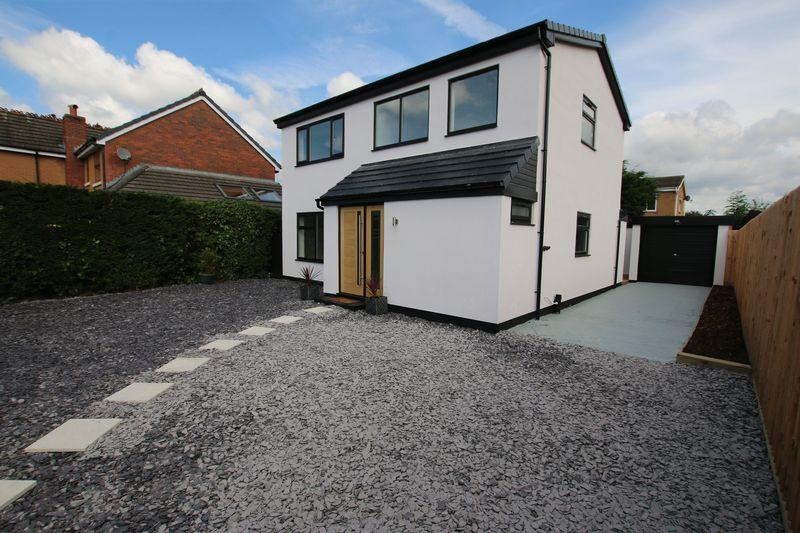 4 Bedrooms Detached House for sale in Arkholme Drive, Preston