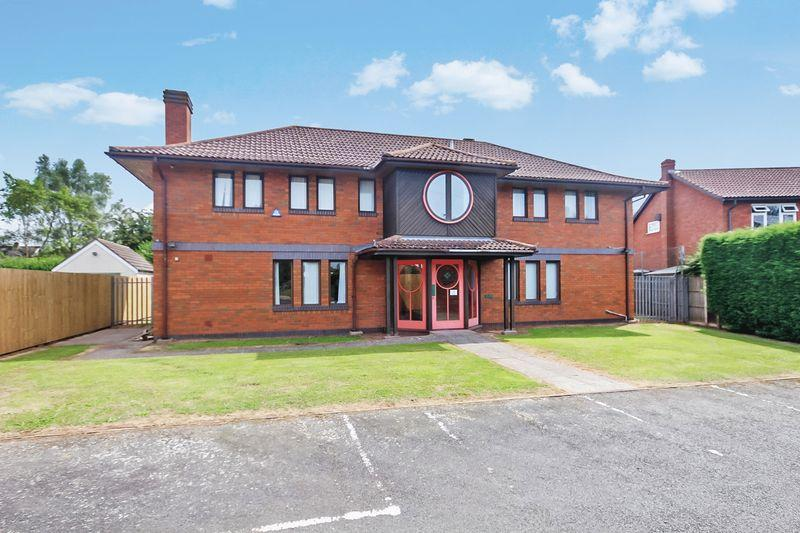 6 Bedrooms Detached House for sale in Barricombe Drive, Hereford