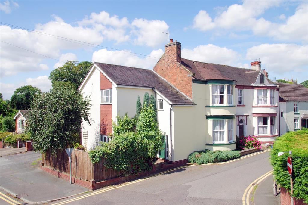 4 Bedrooms Semi Detached House for sale in Chapel Street, Wem