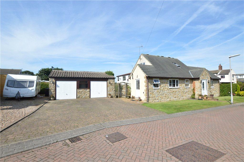3 Bedrooms Detached Bungalow for sale in The Stables, Westfield Gardens, Kippax, Leeds, West Yorkshire