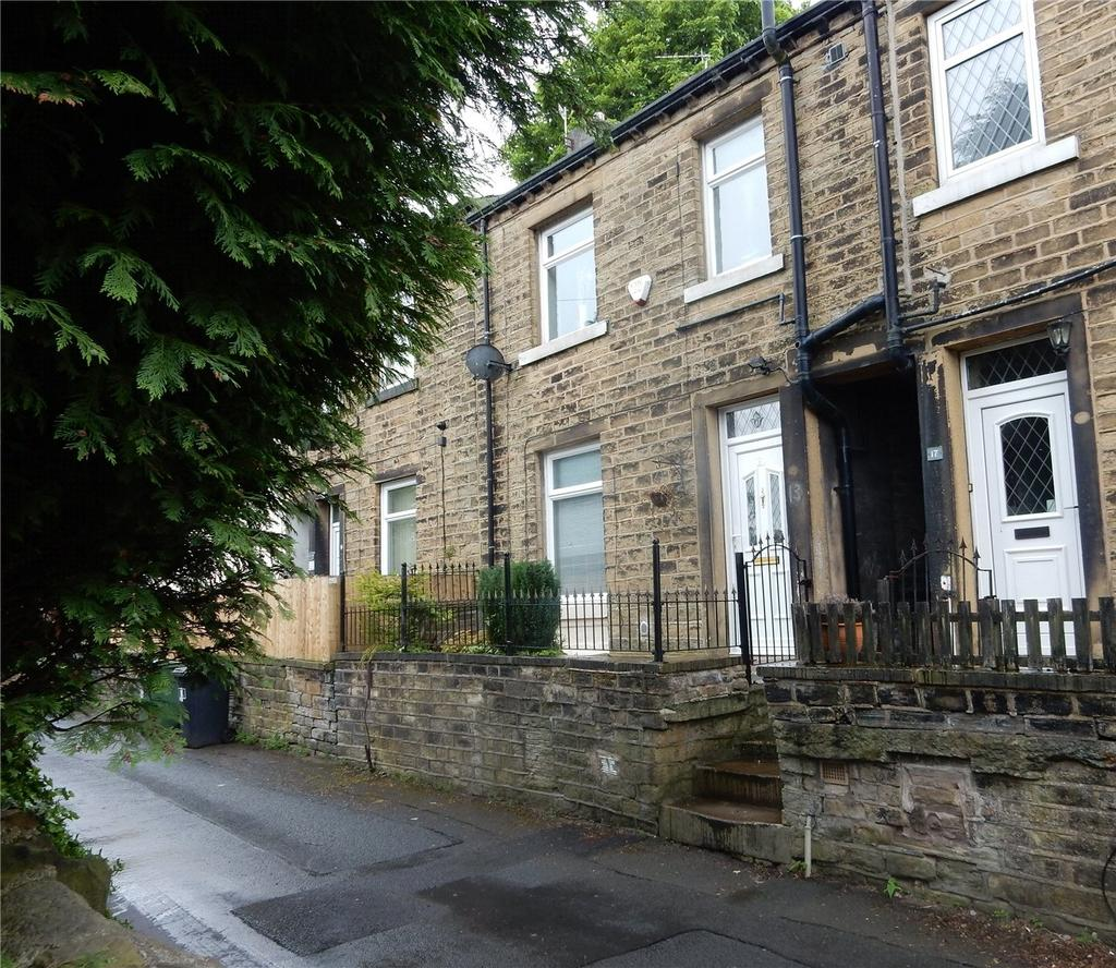 3 Bedrooms Terraced House for sale in Matlock Street, Crosland Moor, Huddersfield, HD4