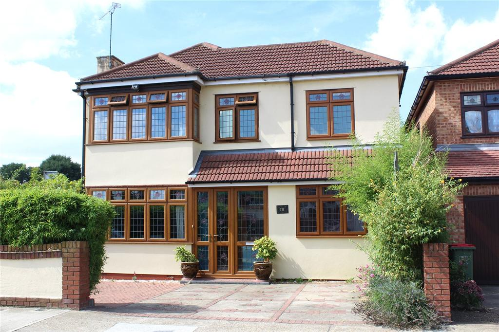4 Bedrooms Detached House for sale in Albany Road, Hornchurch, RM12