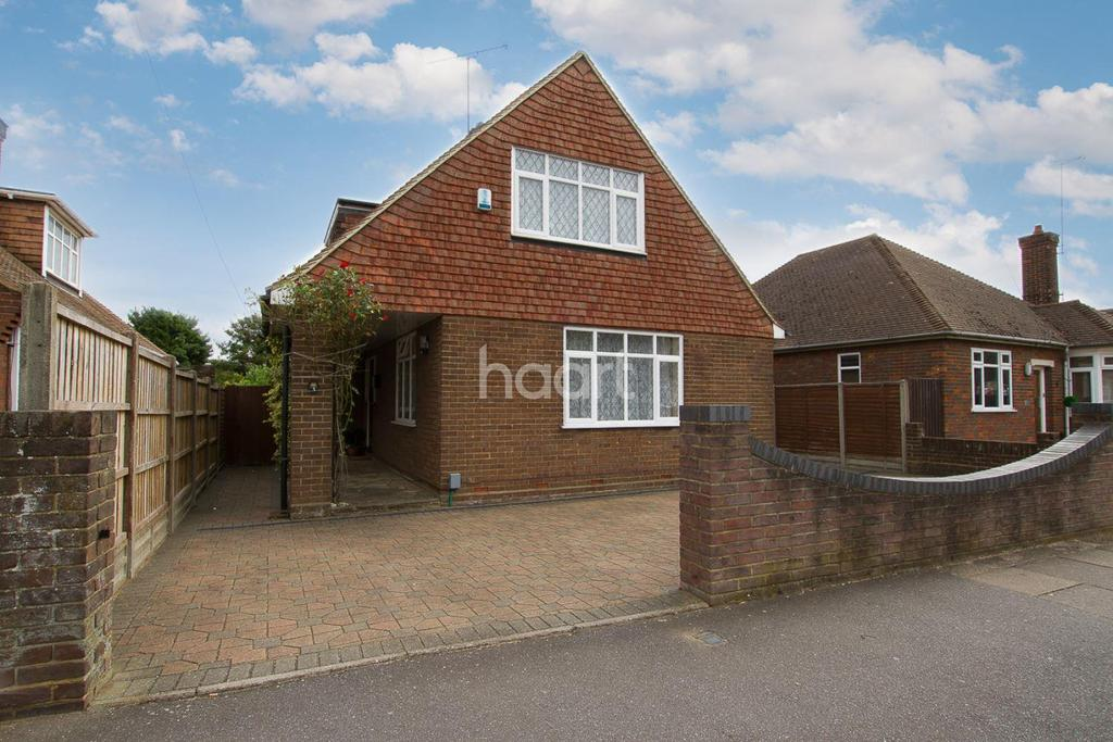 3 Bedrooms Detached House for sale in Luton