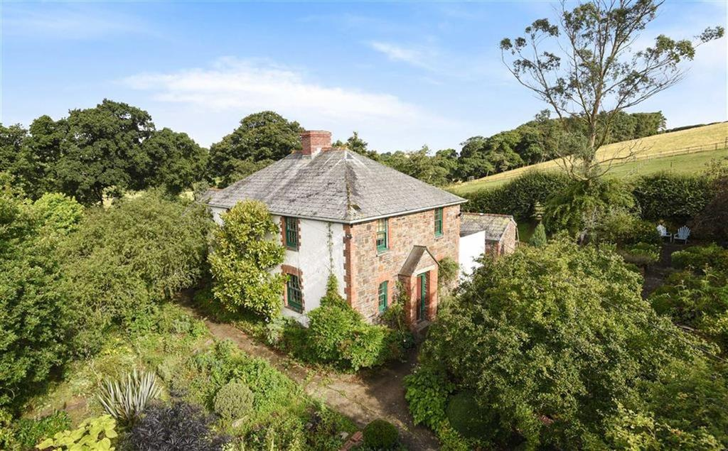 6 Bedrooms Detached House for sale in Upper Tamar Valley, Launceston, Cornwall, PL15