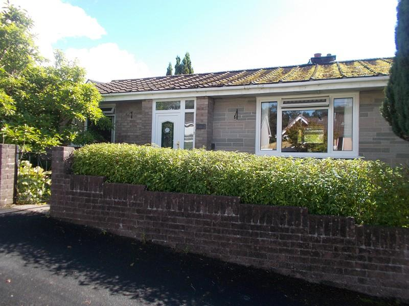 3 Bedrooms Detached Bungalow for sale in Vale View, Pont Nedd Fechan, Neath, Neath Port Talbot.