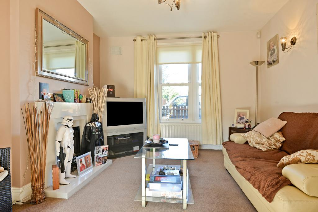 2 Bedrooms Terraced House for sale in Kirkwood Road, Nunhead, London, SE15