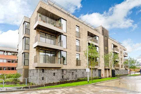 2 bedroom penthouse to rent - Fellows House, Lilywhite Drive, Cambridge, CB4
