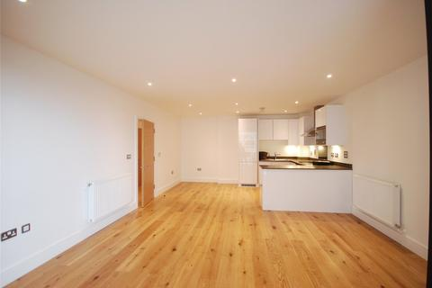 3 bedroom flat to rent - Prince Court, 5 Nelson Street, London