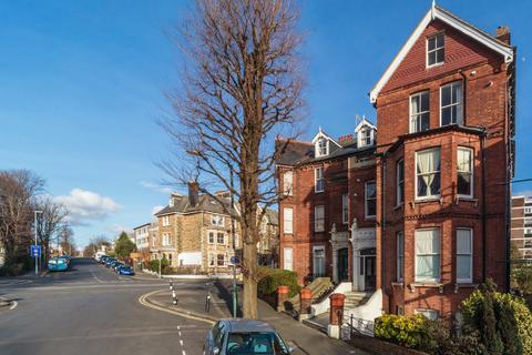2 bedroom apartment to rent - Wilbury Road, Hove, BN3