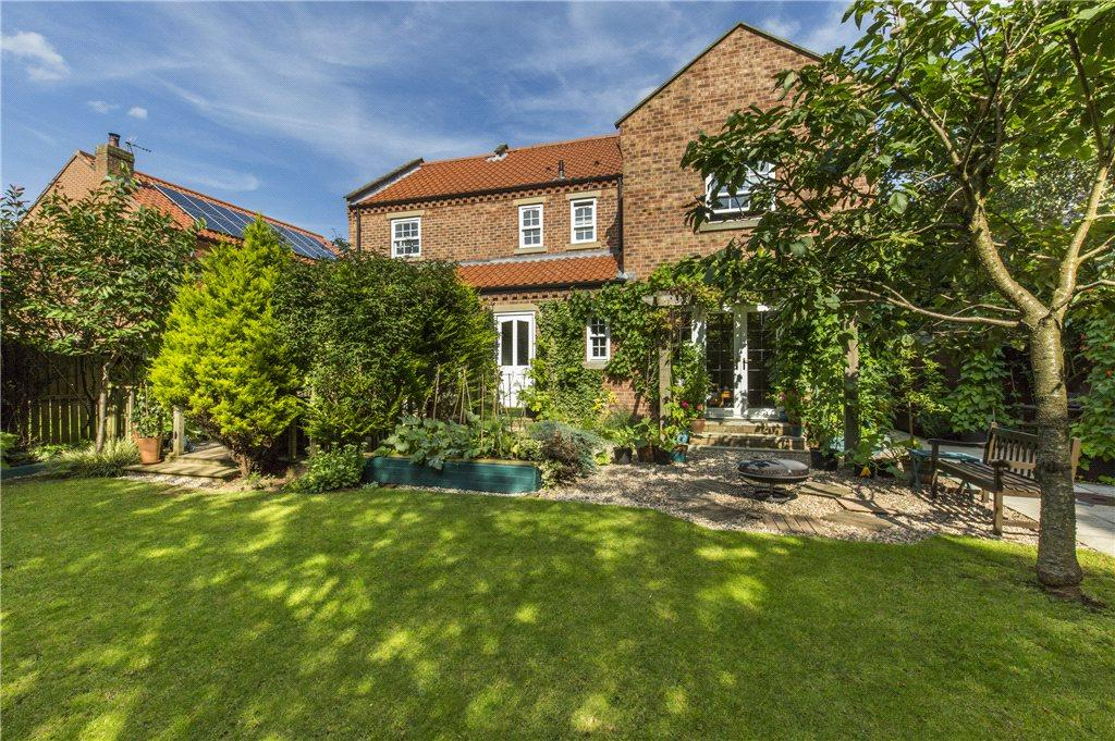 5 Bedrooms Detached House for sale in Manor House Walk, Burneston, Bedale