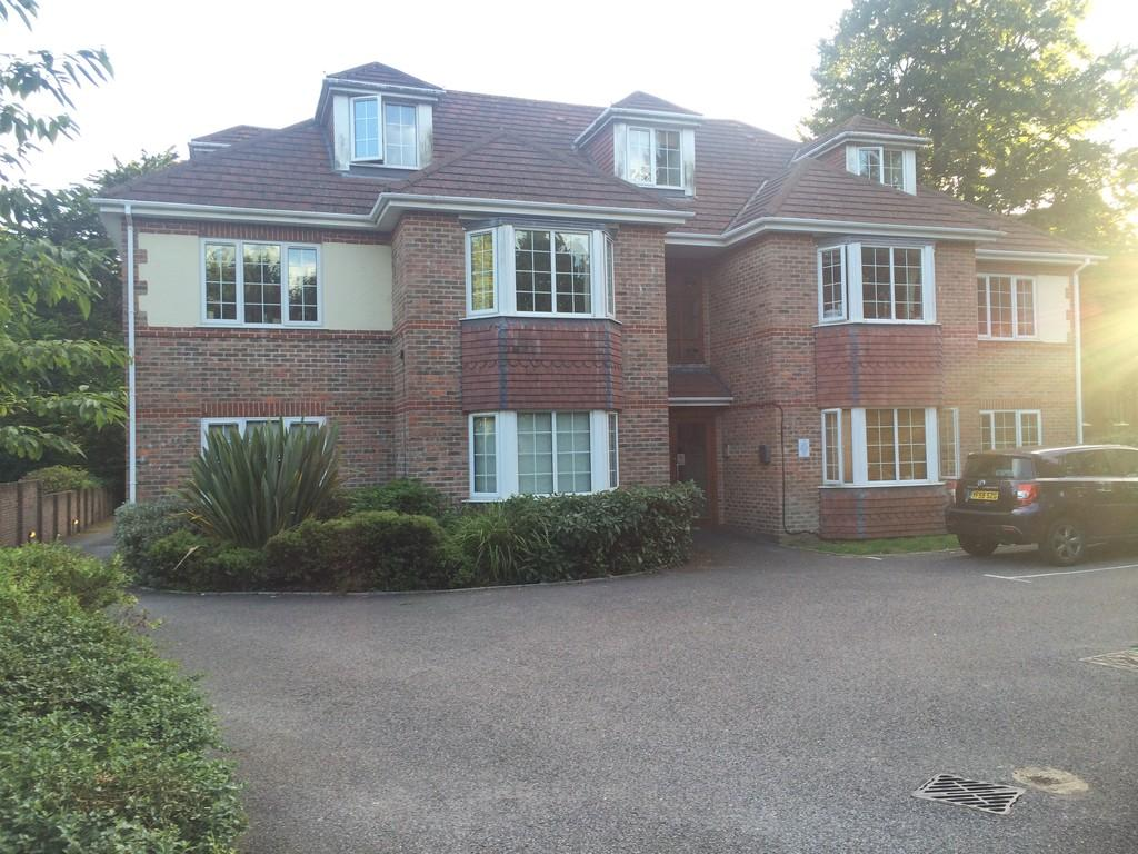 2 Bedrooms Apartment Flat for sale in Flat 7, Talbot Court, 55 Talbot Avenue