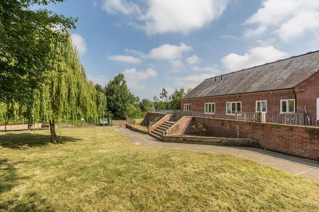 5 Bedrooms Detached House for sale in Bath Road, Warminster