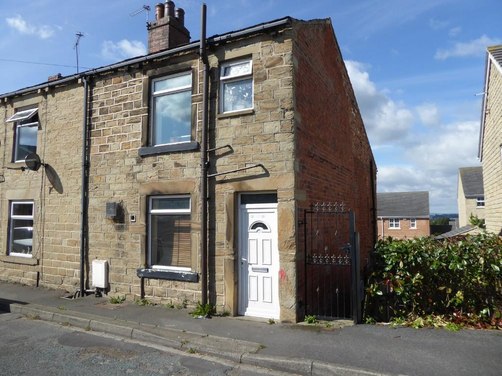 1 Bedroom End Of Terrace House for sale in Hollinbank Lane, Heckmondwike