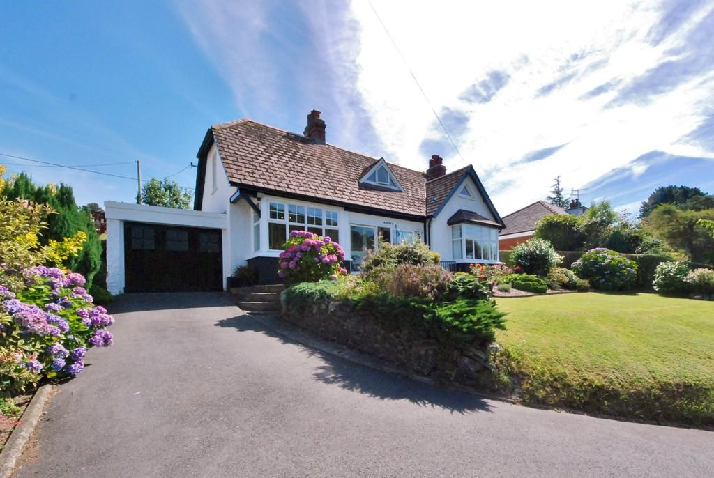 4 Bedrooms Detached House for sale in Llandre, Aberystwyth