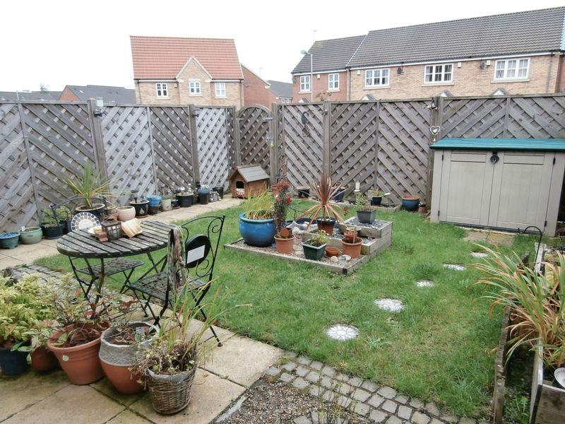 3 Bedrooms Terraced House for sale in Pools Brook Park, Hull