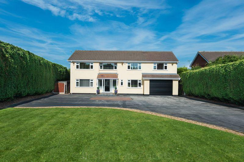 6 Bedrooms Detached House for sale in Clifton Road, Runcorn