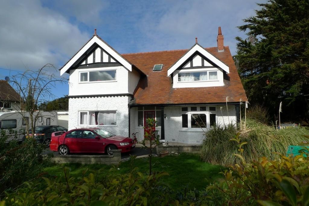 4 Bedrooms Detached House for sale in Gannock Park, Deganwy