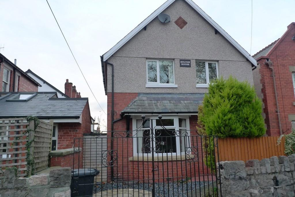 3 Bedrooms Detached House for sale in Eirias Road, Colwyn Bay