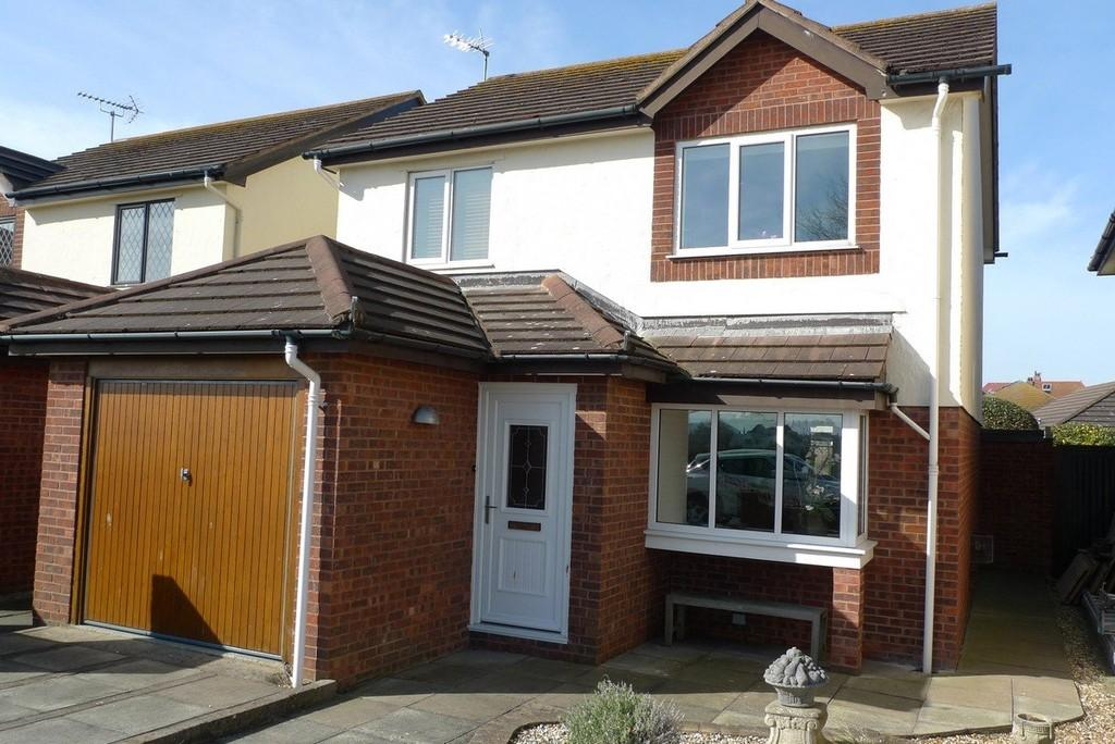 2 Bedrooms Detached House for sale in The Oval, Llandudno
