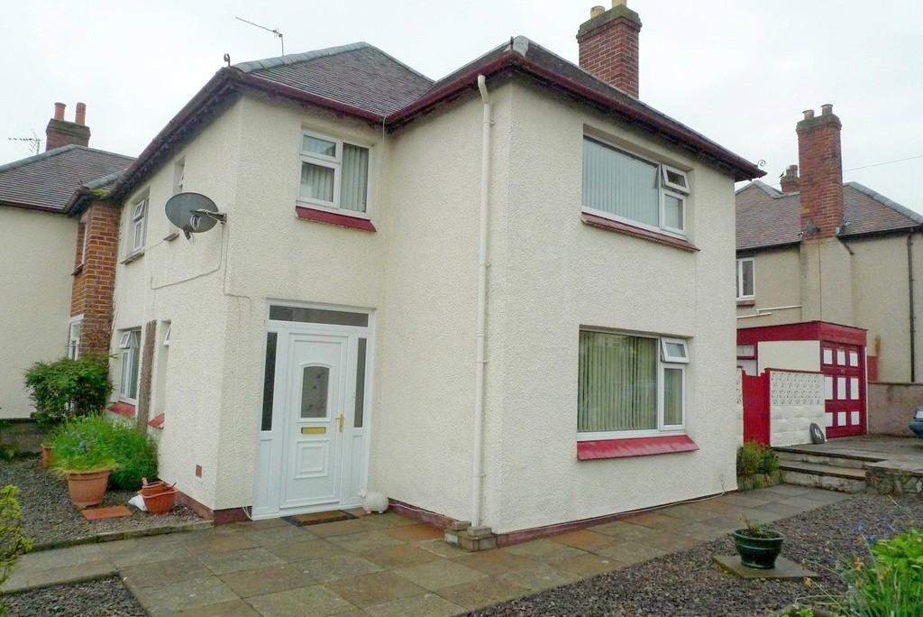 3 Bedrooms Semi Detached House for sale in Glan Y Mor Road, Penrhyn Bay