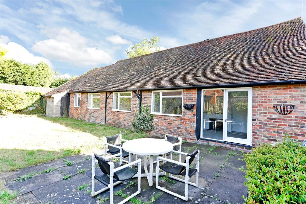 3 Bedrooms Detached House for sale in Charvil Lane, Sonning, Reading, RG4