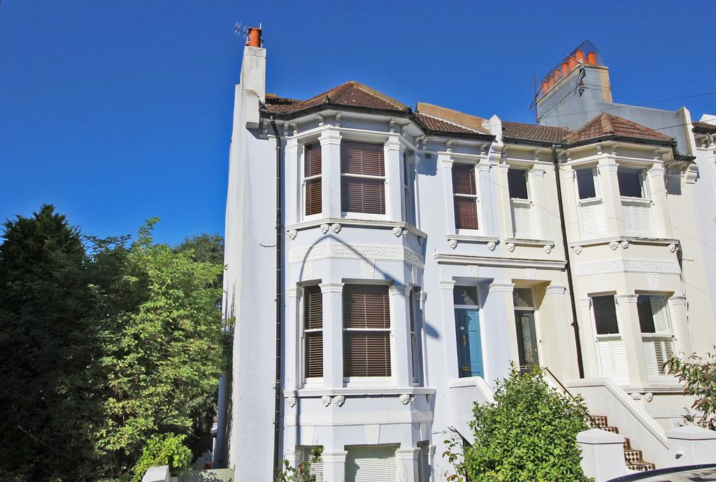3 Bedrooms Maisonette Flat for sale in Cleveland Road, Brighton BN1